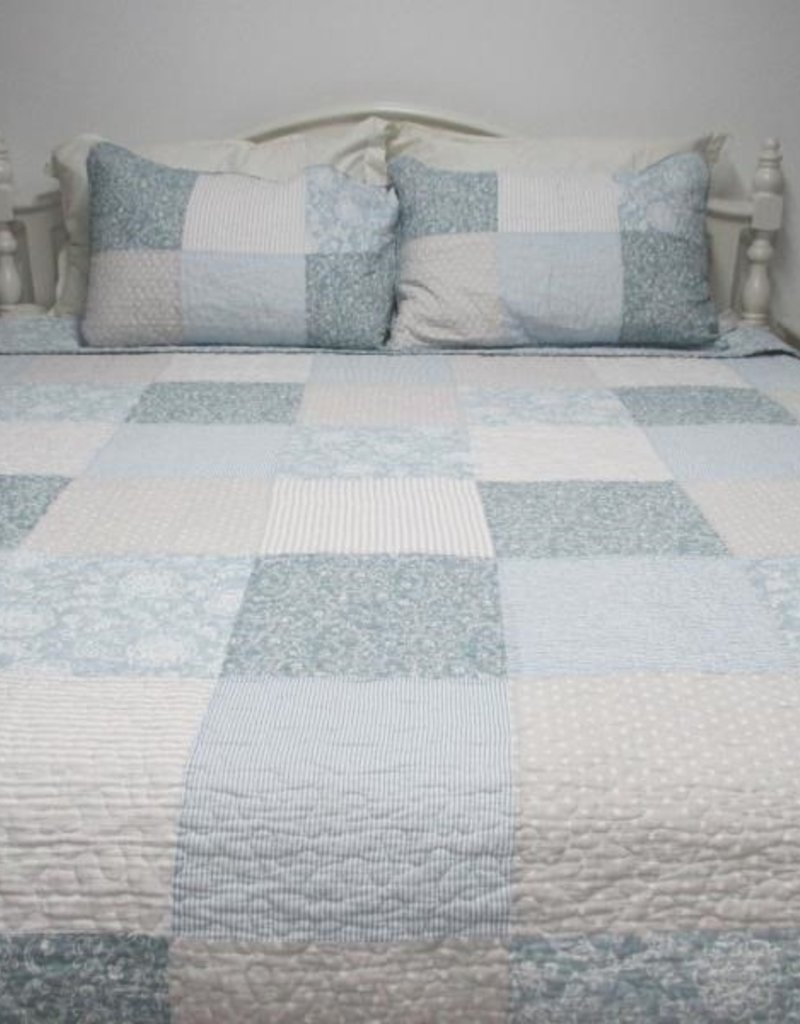 New New Horizons Summer Cottage Quilt Set -