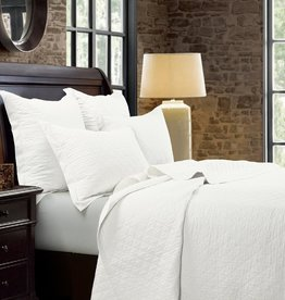 HiEnd Accents Vintage White Diamond Linen Quilt - Queen