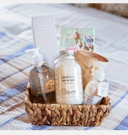 "Mother's Day Gift Basket ""Bather"""
