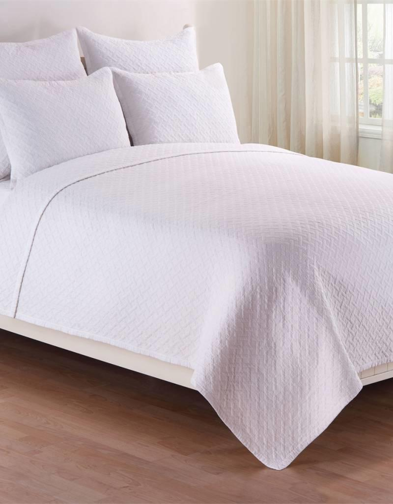 C&F Enterprises Basketweave White Quilt Set - Queen