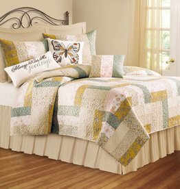 C&F Enterprises Quilt, Audrey, Queen