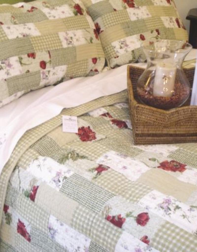 New New Horizons Peony Queen Quilt and Shams