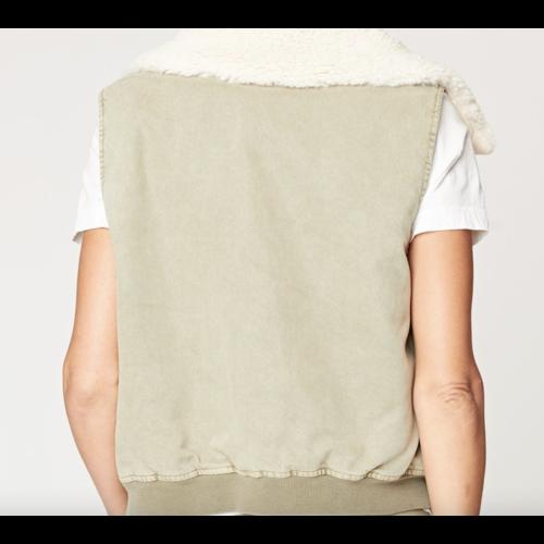 XCVI Pinnacle Vest Grapevine 14100