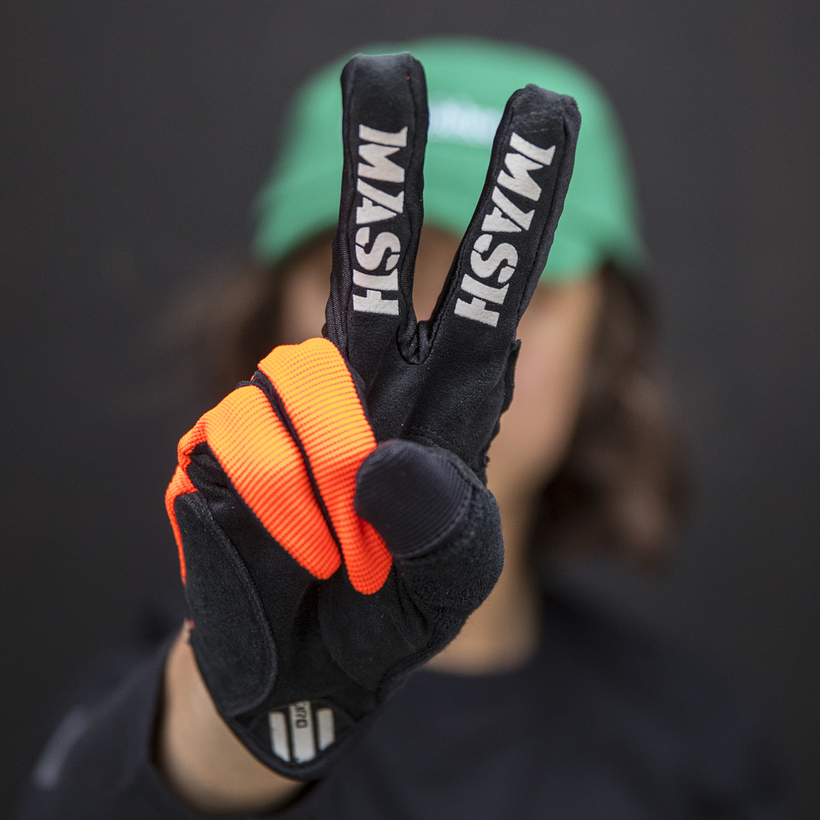MASH NEON ORANGE DND Gloves