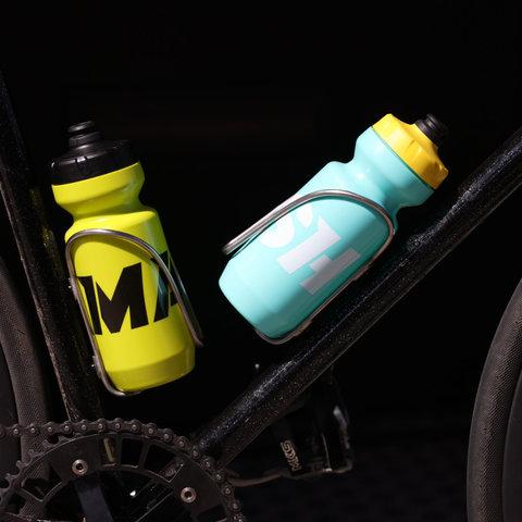 MASH WORDMARK 22 OZ Purist Bottle in 4 color options