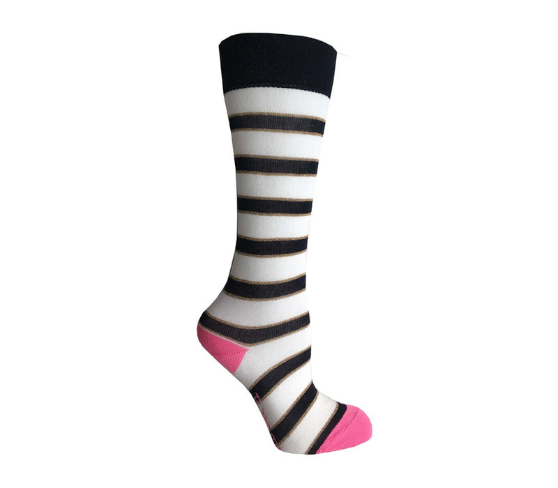 B.Nosy Girl's Socks