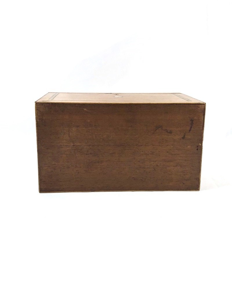 Vintage Oak Box w/ Wood Inlay/ Mother of Pearl Detail