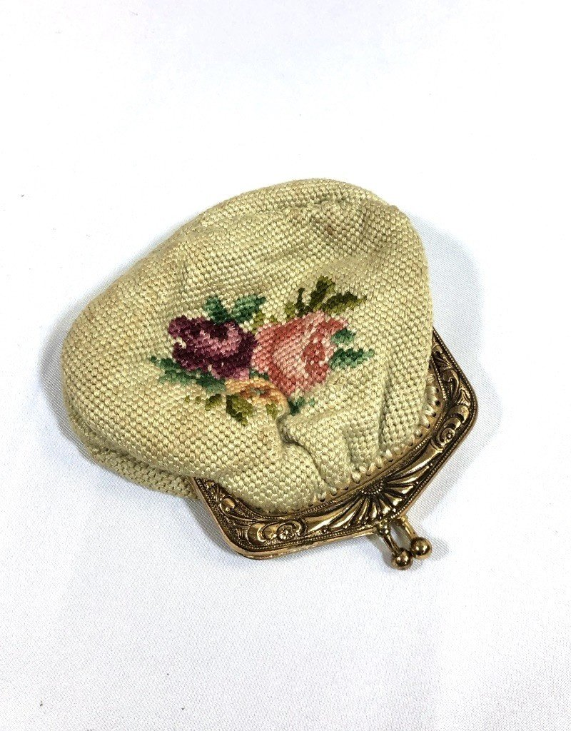 Vintage Needlepoint Vintage Coin Purse - Cream & Pink