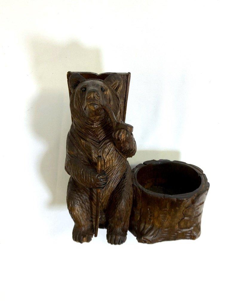 Vintage Black Forest Carved Bear Pipe Holder