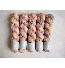 Qing Fibre Oyster - Silky Merino Singles - Qing Fibre
