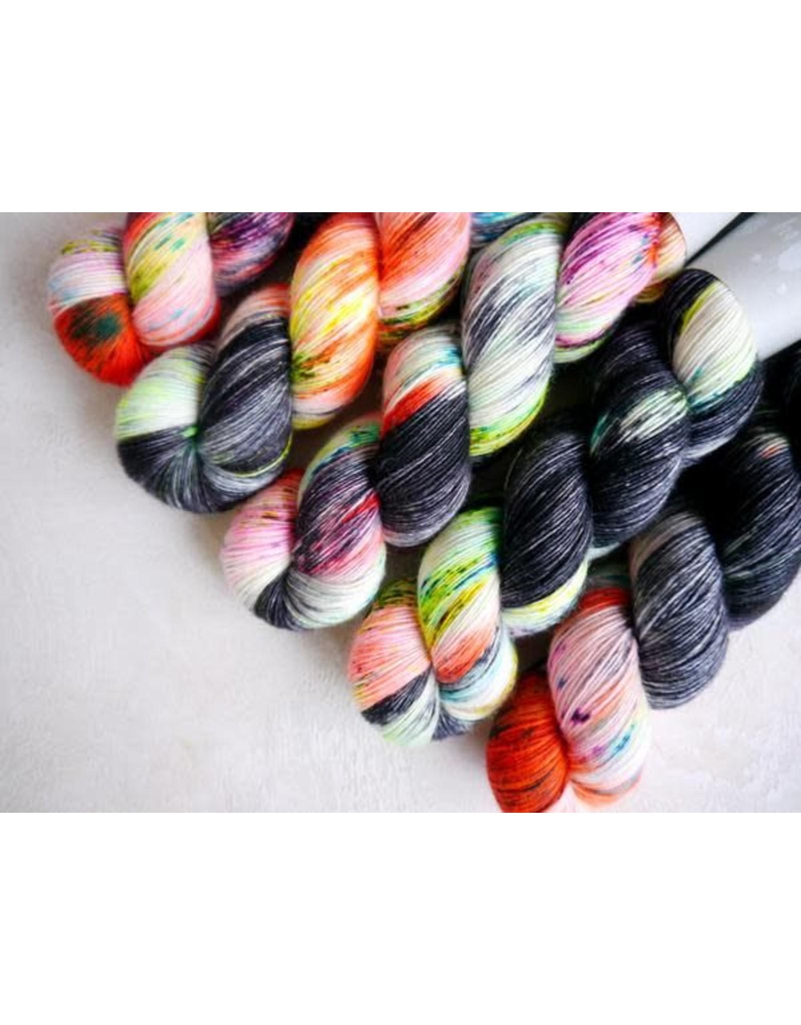 Qing Fibre Blackhare - Silky Merino Singles - Qing Fibre