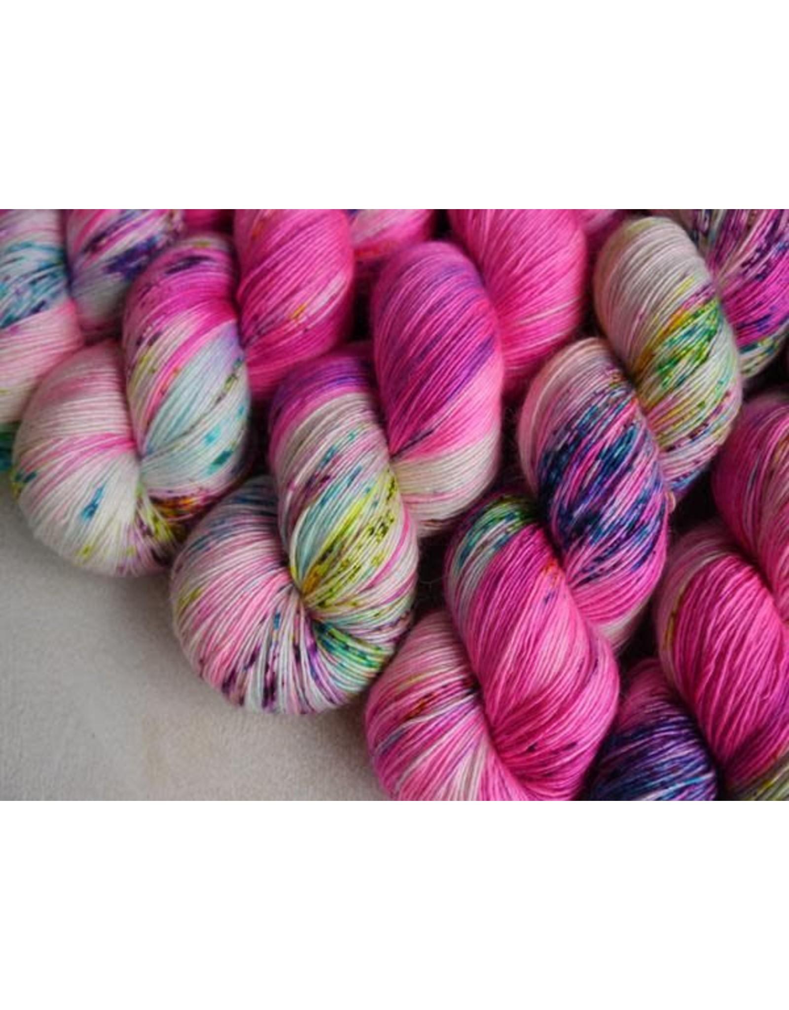 Qing Fibre Flamingo - Silky Merino Singles - Qing Fibre