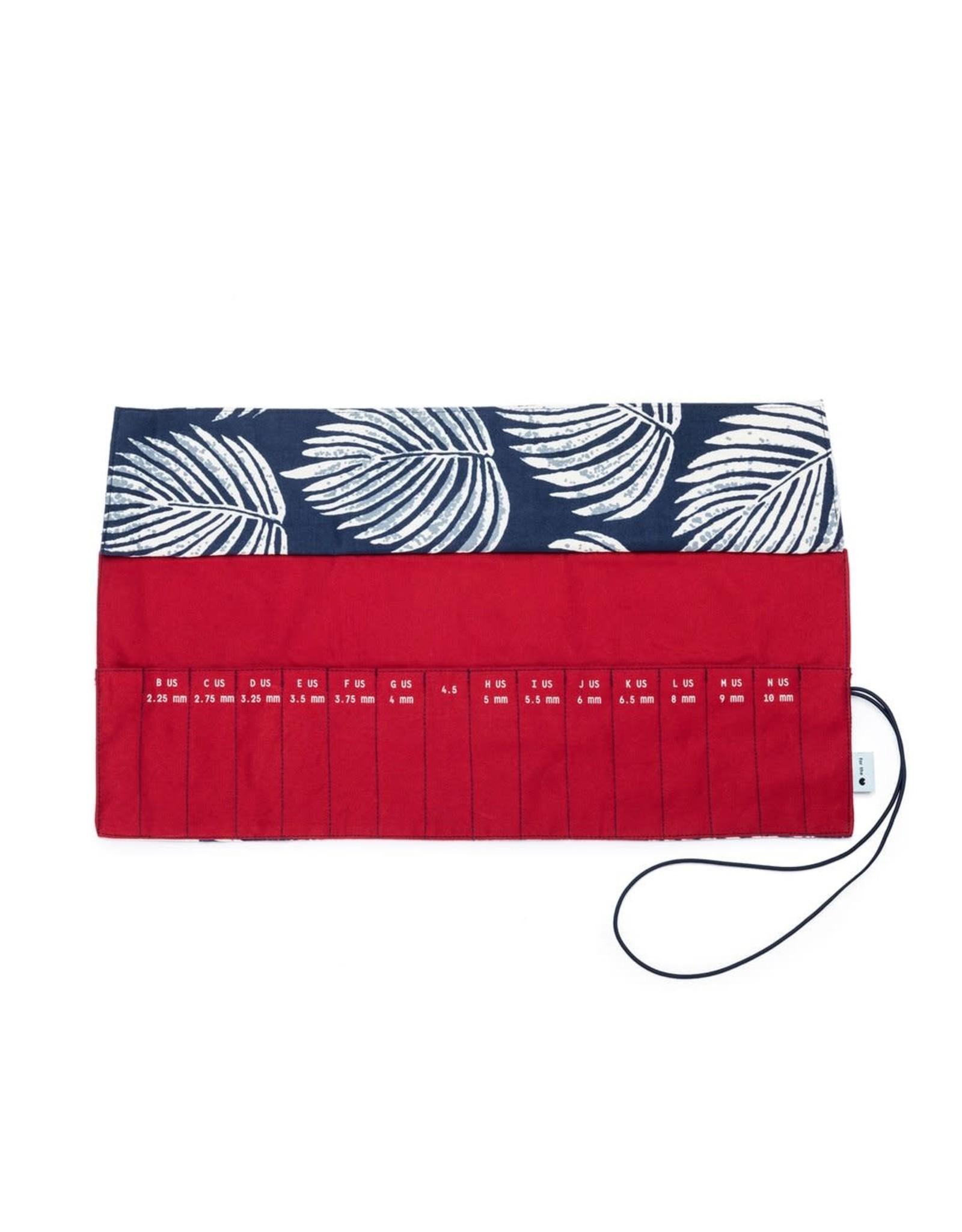 Della Q - Crochet Roll - Leaf/Red Cotton