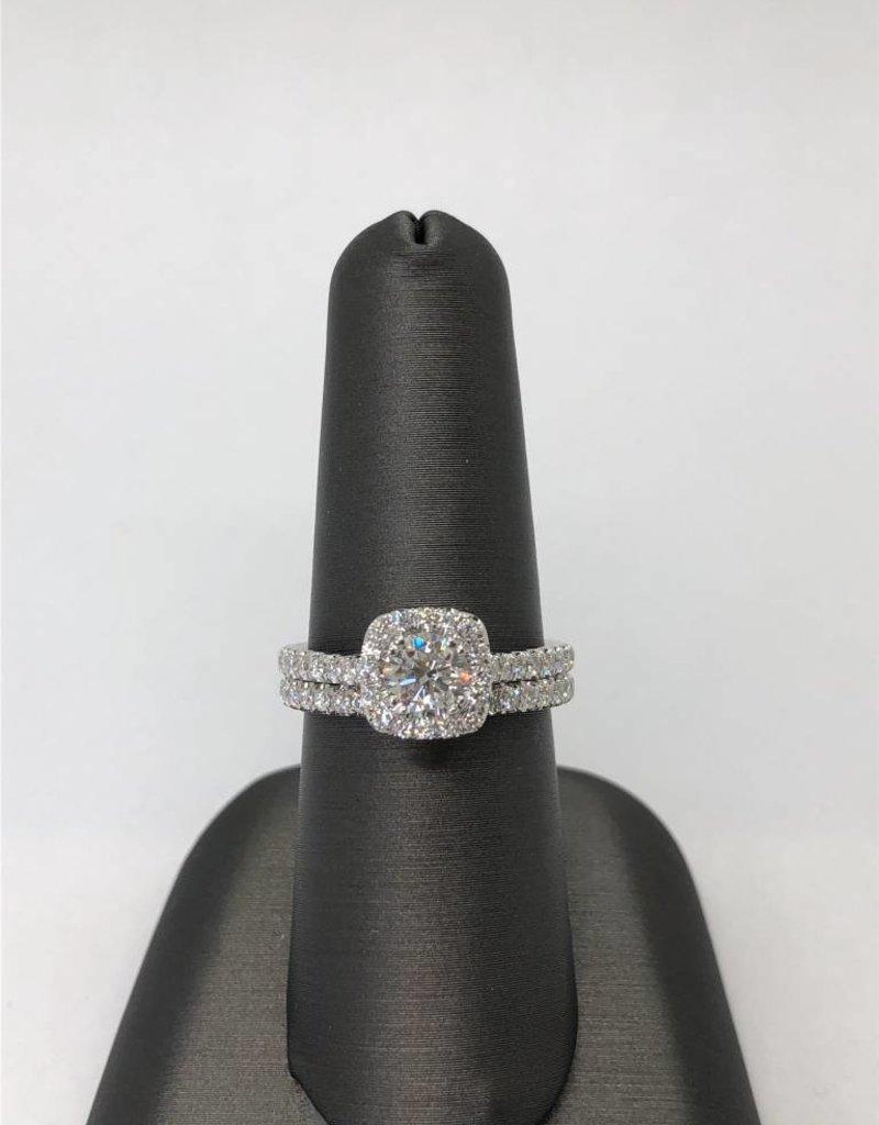 18 Karat White Gold Diamond Wedding Set