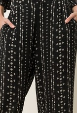 Crop High Waist Pull-On Pant with Pockets<br /> Shorts lined inside <br /> 100% Rayon<br /> Liner<br /> 95% Polyester<br /> 5% Spandex