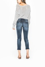 Silver Jeans Co. AVERY Skinny Crop<br /> Formerly known as our best-selling Suki High, the Avery flatters curves with its waist-defining high rise and relaxed fit through the hip and thigh. It&#039;s crafted in stretch Fluid denim that&#039;s ultra soft and body shaping.