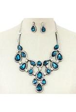 Jewel Attraction Necklace Set