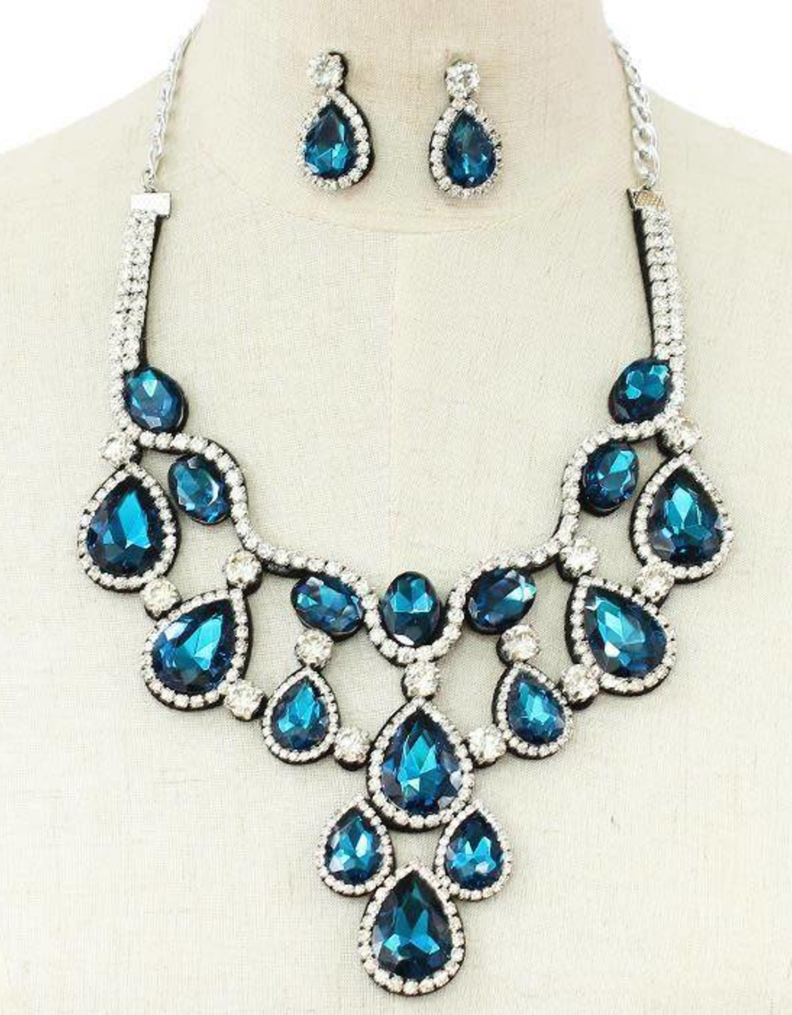Jewel Attraction Necklace Set