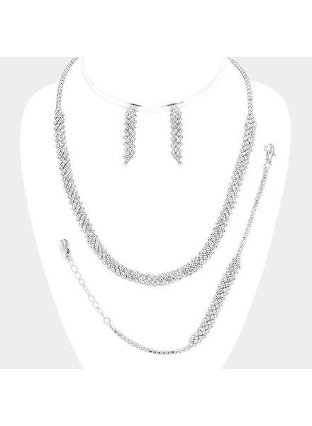 Simple Class Necklace Set