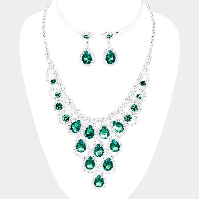 Dressed n Ready Necklace Set