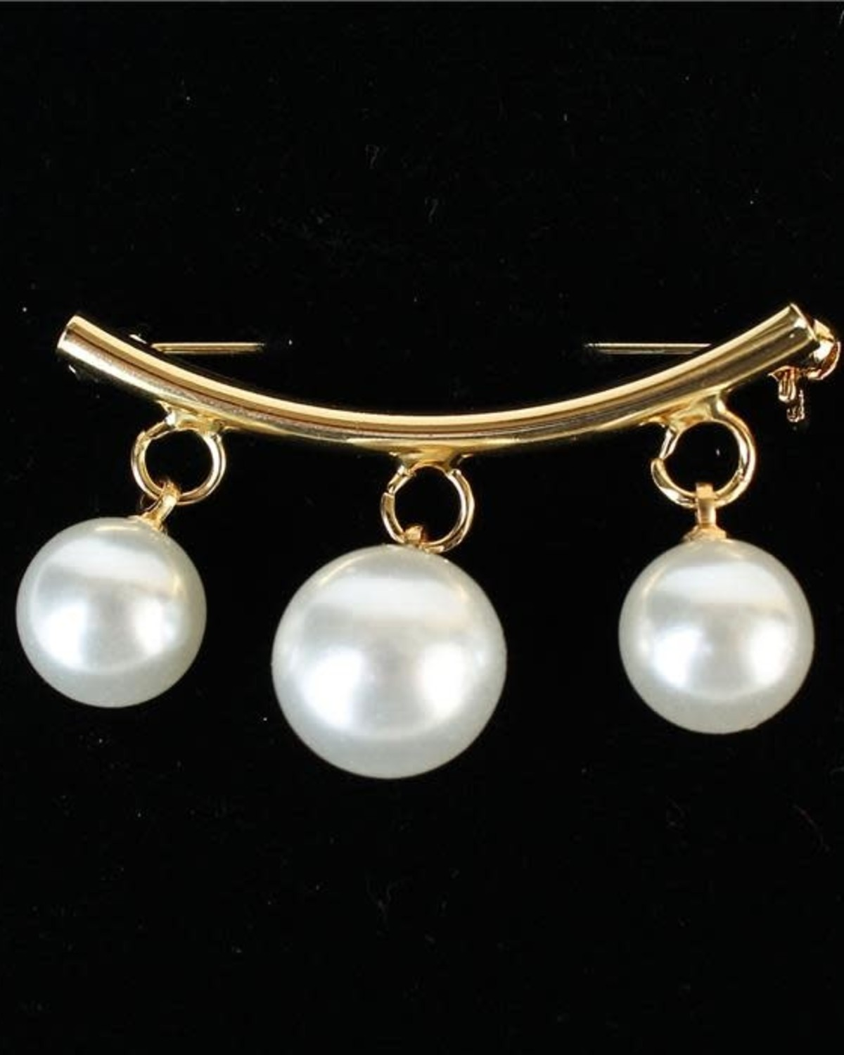 Hanging With Pearls Brooch