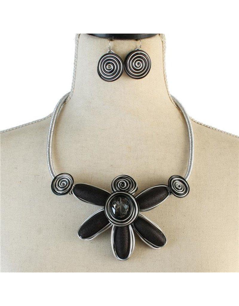 Forever Bloom Necklace Set
