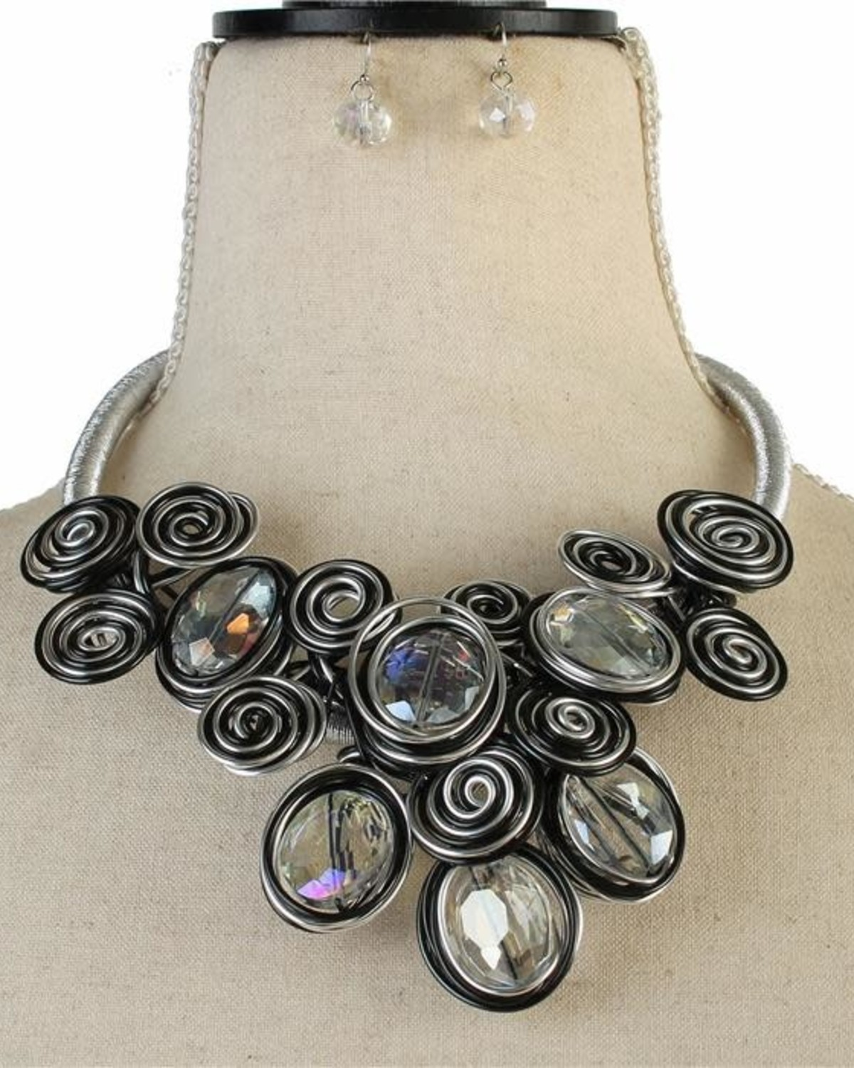 Give It A Swirl Necklace Set