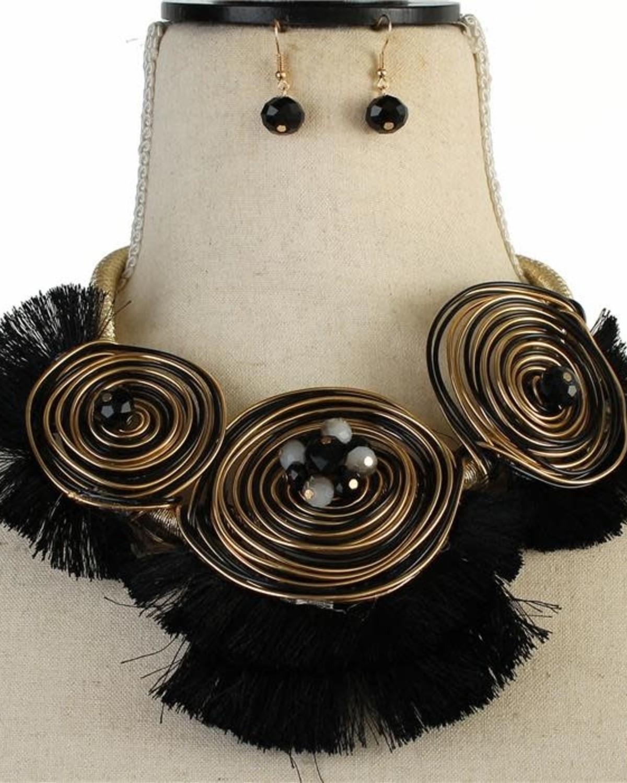 Swirl Domination Necklace Set