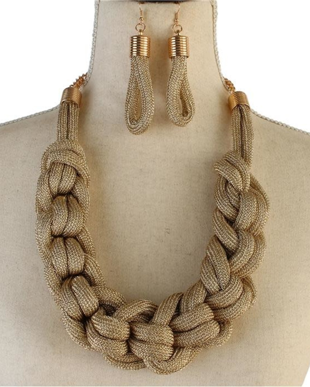 Don't Mesh Around Necklace Set
