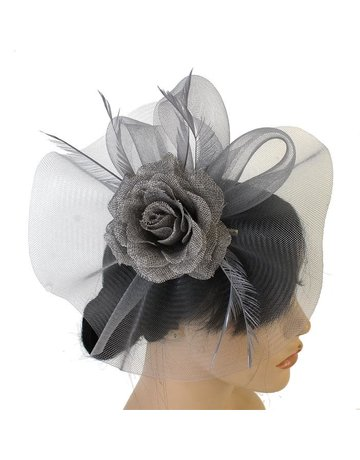 Center Of Attention Fascinator
