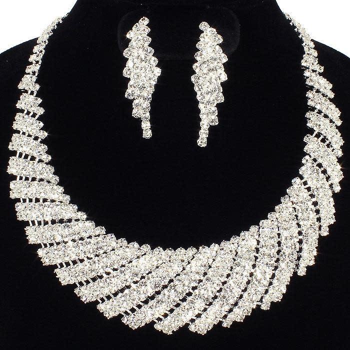 Shine On Necklace Set