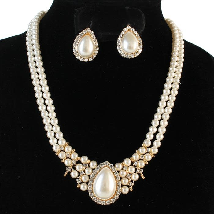 All You Can Be Pearl Necklace Set