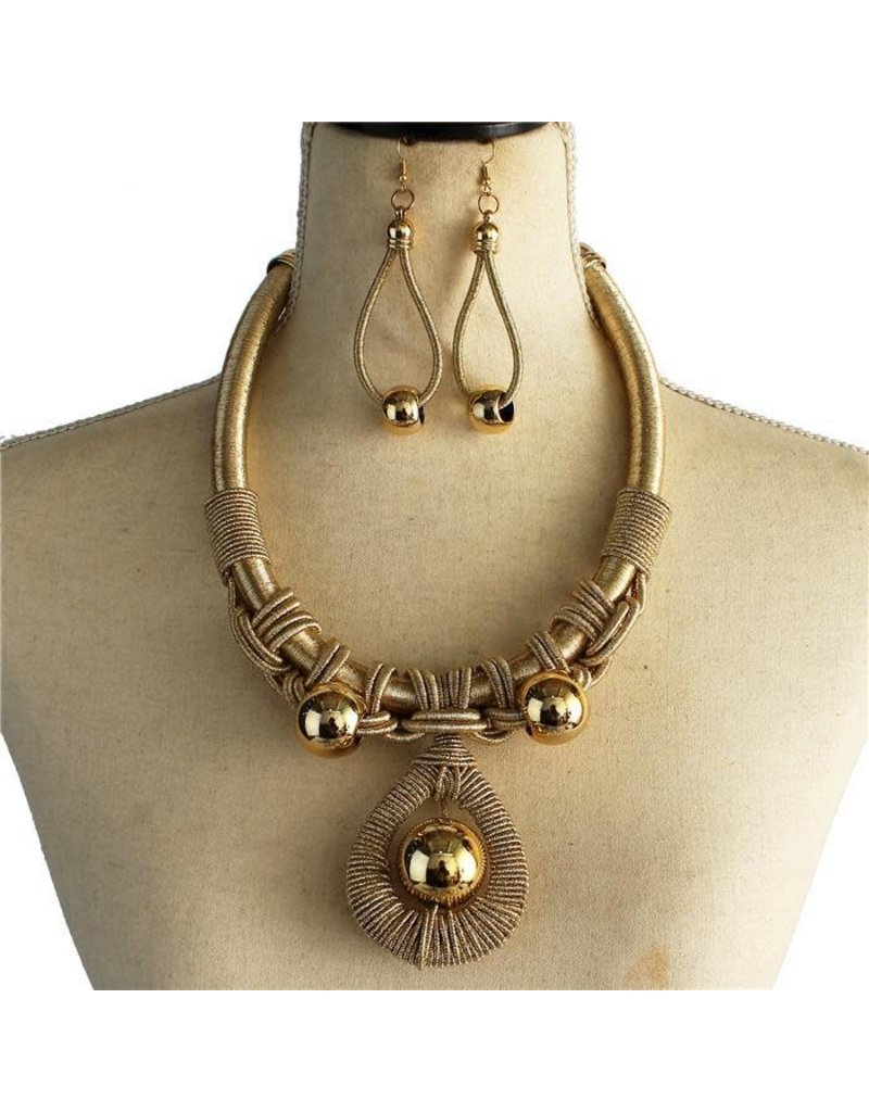 Lovers Or Friends Necklace Set