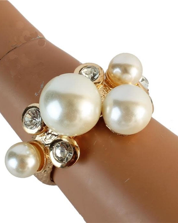 Plopping Pearl Bracelet