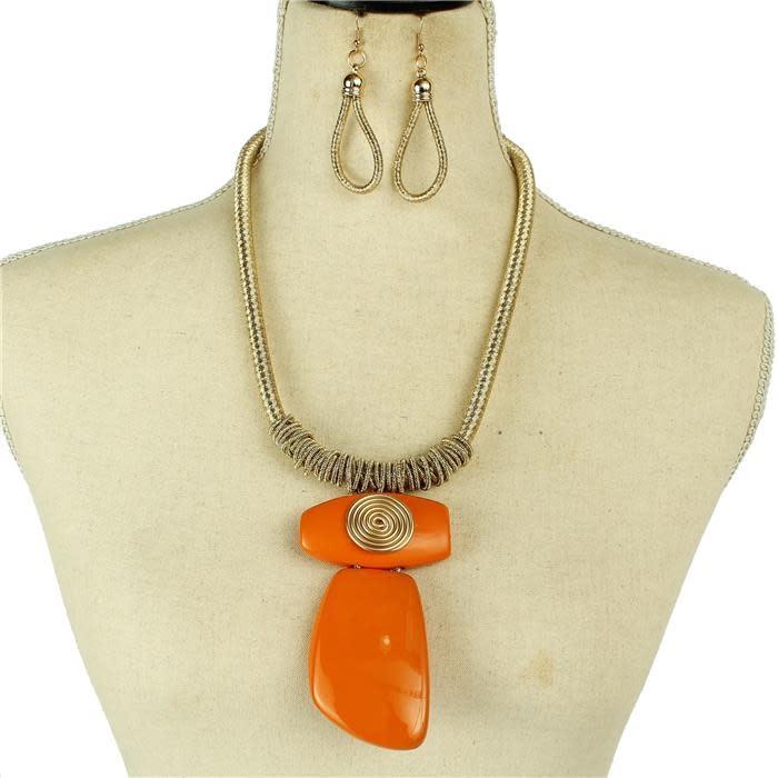 Out Of Shape Necklace Set