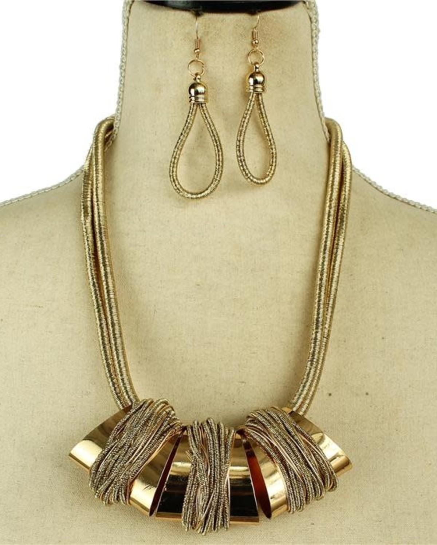 Hangin' Out Necklace Set