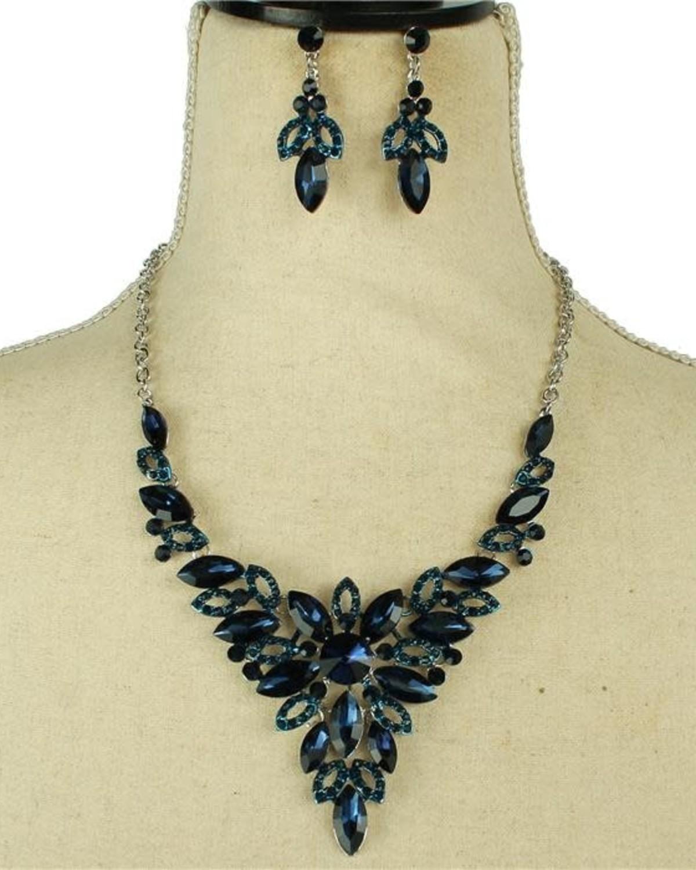 Good Gracious Necklace Set