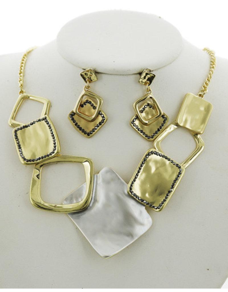 Follow The Pattern Necklace Set