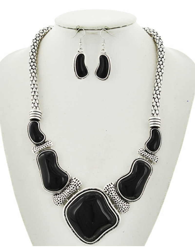 Dig Deep Necklace Set