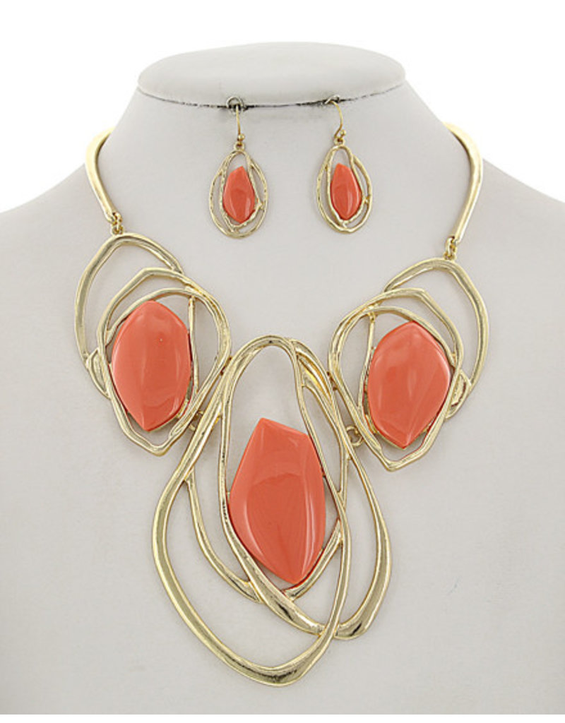 Hot Weekend Necklace Set