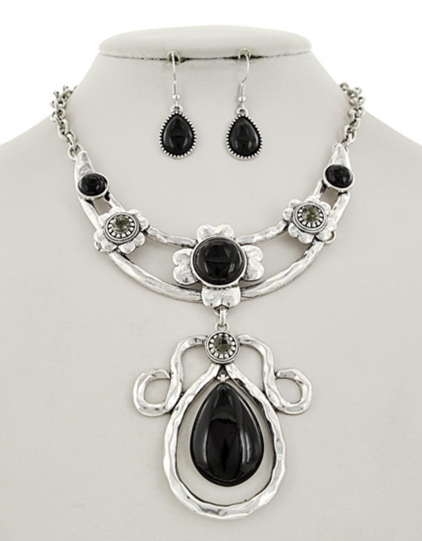 All The Looks Necklace Set