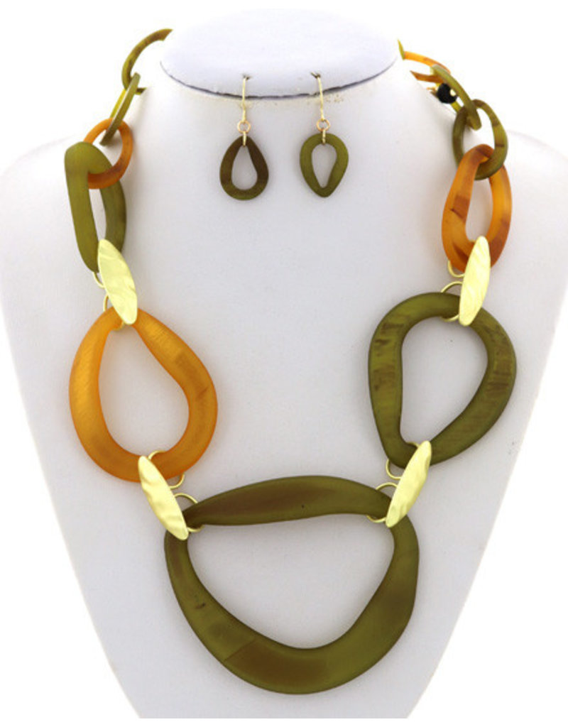 By Links Necklace Set