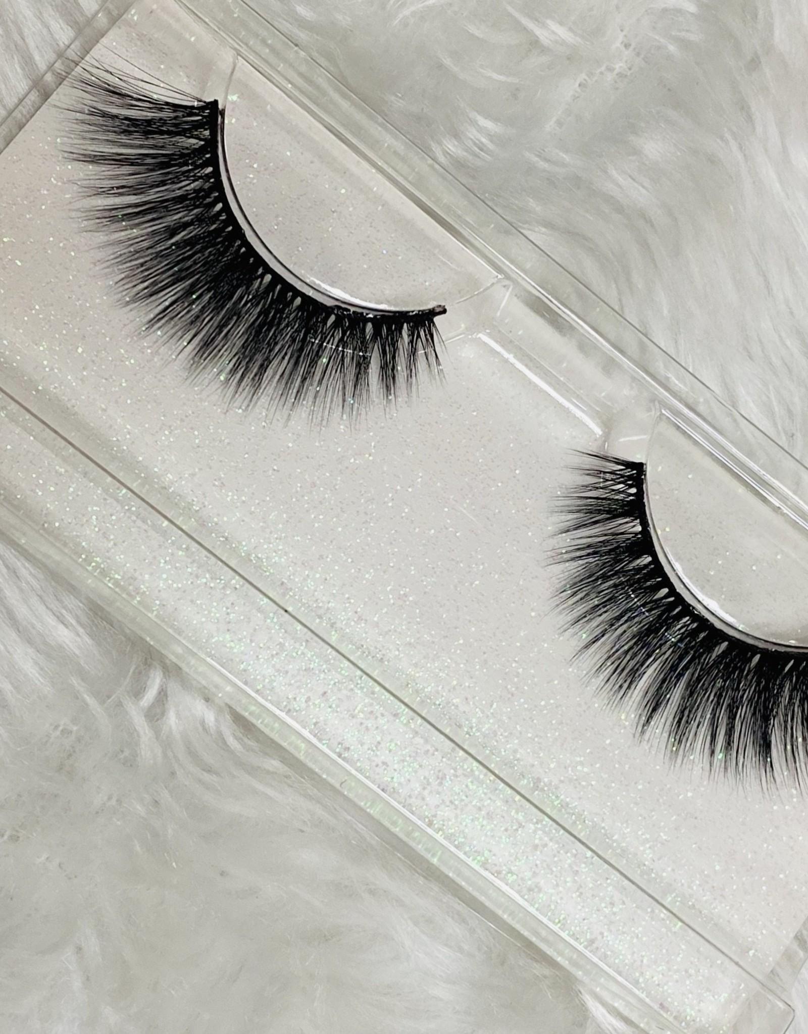 Dramatic Look Eye Lashes