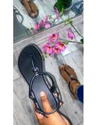 So Chic Sandals Black