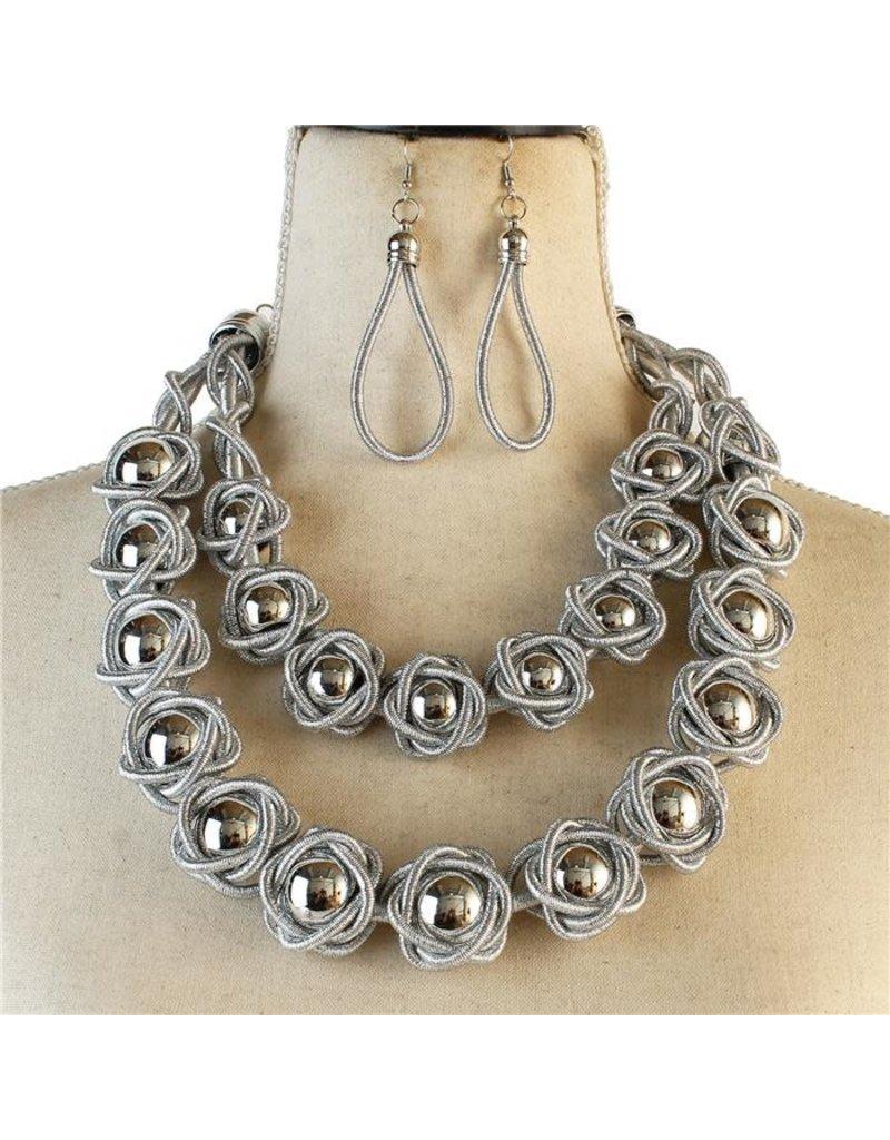 Never Blending In Necklace Set - Silver