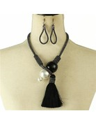 What A Pearl Necklace Set - Black