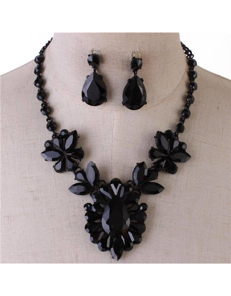 Season's Jewel Necklace Set - Black