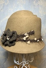 Cappelleria Bertacchi Cloche Ripple Crown