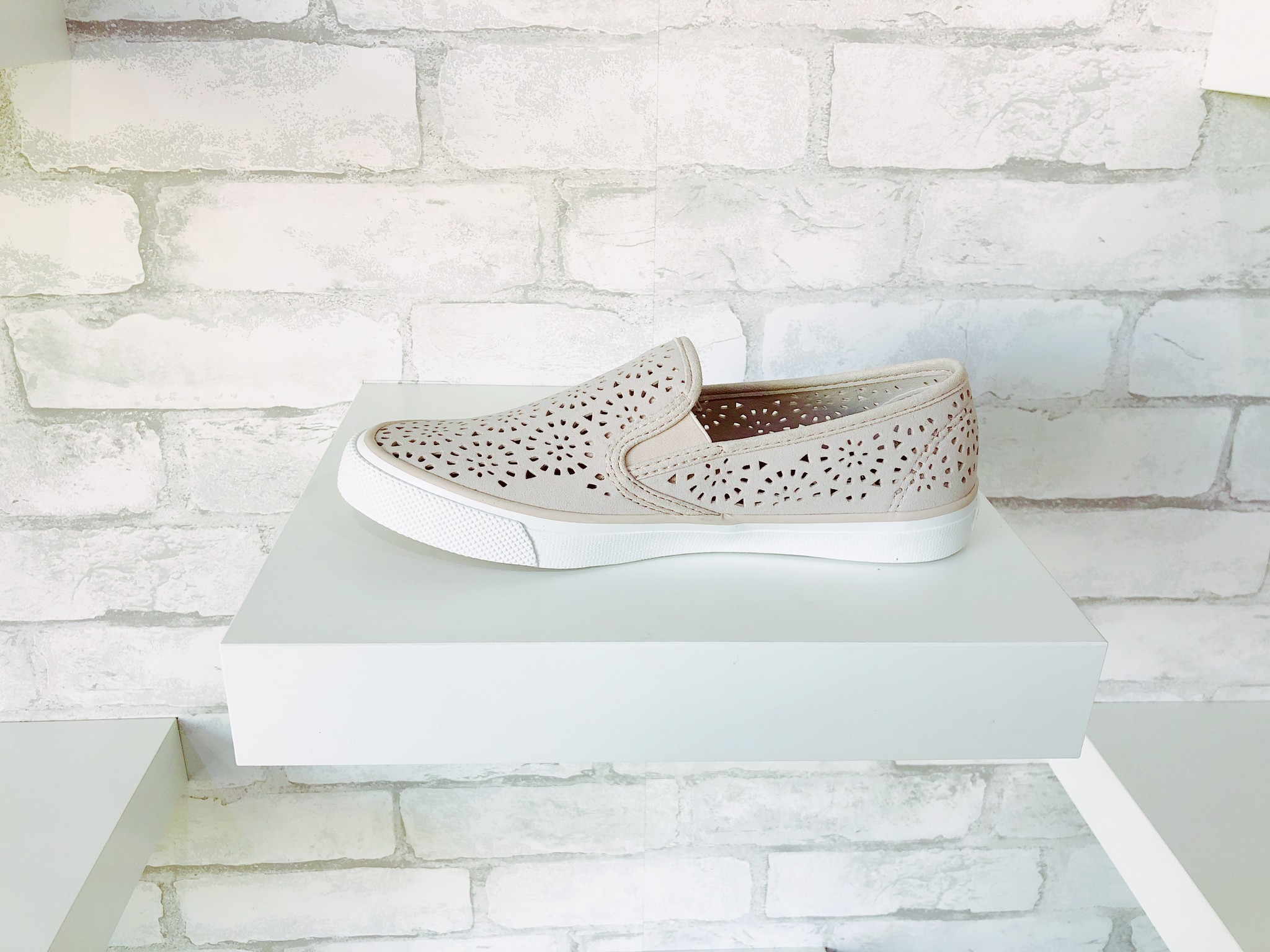 Sperry Seaside Perforated Lilac