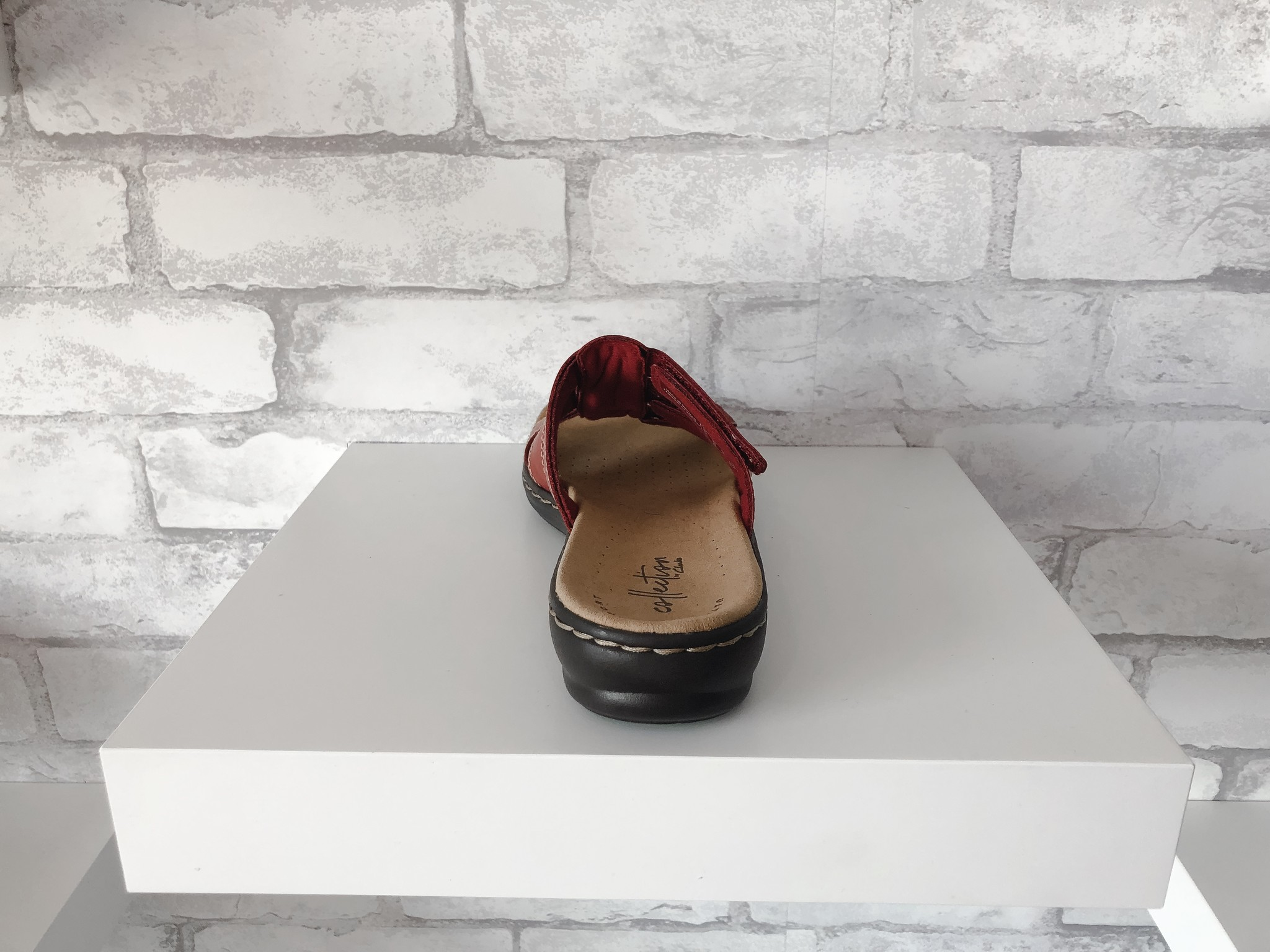 Clarks Leisa Red